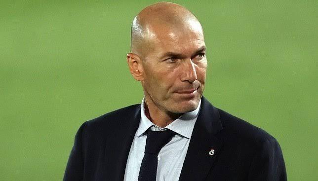 زيدان يعلن تشكيلة ريال مدريد لمواجهة مونشنجلادباخ في دوري الأبطال