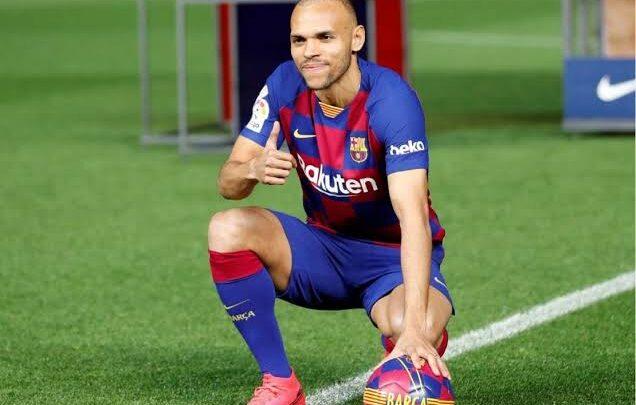 مهاجم برشلونة يحسم الجدل حول رحيله بالانتقالات الشتويه الحاليه