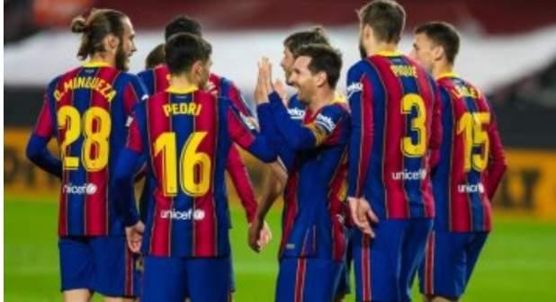 ميسي يقود هجوم برشلونة أمام فالنسيا في الدوري الإسباني
