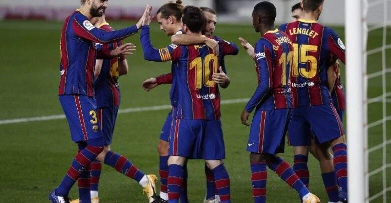 بالصور.. قميص برشلونة الجديد يظهر للنور