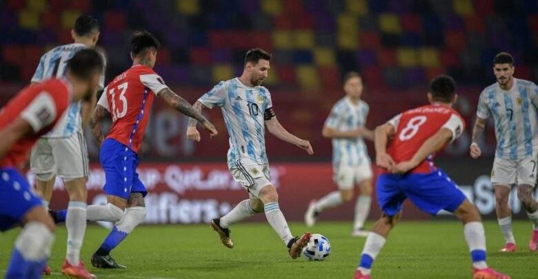 الأرجنتين تقع في فخ التعادل أمام تشيلي في تصفيات المونديال
