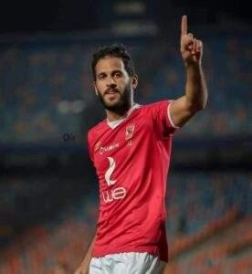 خاص.. تجميد نجم الأهلي وعرضه للبيع نهاية الموسم