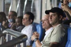 تاكيس چونياس يثير الجدل بحضوره مباراة بيراميدز